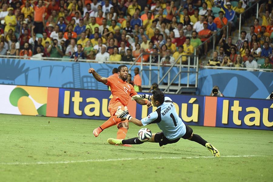05 July 2014 - Fifa World Cup - Netherlands v Costa Rica - Jeremain Lens sees his shot saved by Keylor Navas.