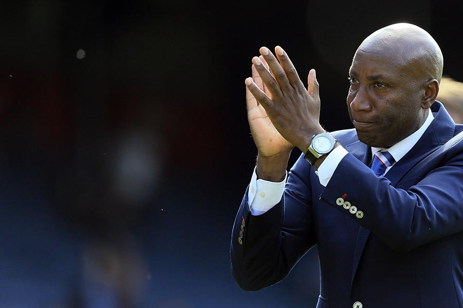 16 May 2015 - Barclays Premier League - QPR v Newcastle United - Chris Ramsey, Manager of Queens Park Rangers applauds the fans as he does a lap of the pitch - Photo: Marc Atkins / Offside.
