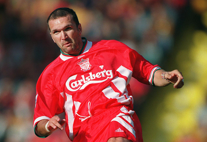 28/8/1994 FA Premier League Football. Liverpool v Arsenal. Neil Ruddock. Photo: Mark Leech / Offside.