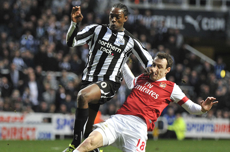 05/02/2011  Barclays Premier League Newcastle United v Arsenal Nile Ranger and Sebastien Squillaci Credit Roy Beardsworth COPYRIGHT OFFSIDE SPORTS PHOTOGRAPHY