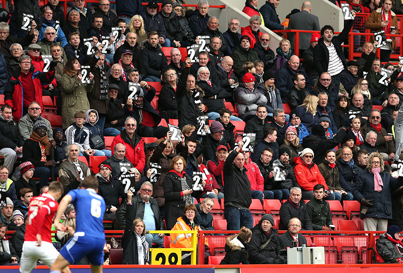 28 November 2015 Football League Championship - Charlton Athletic v Ipswich Town: Charlton fans protest about a remark by a club owner which stated that only 2% of supporters were unhappy. Photo: Mark Leech