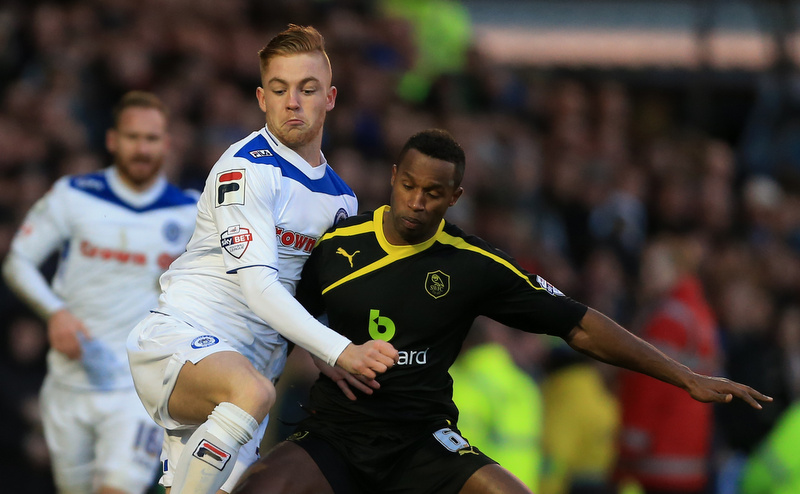 ffield Wednesday - Callum Camps of Rochdale battles with Jose Semedo of Wednesday - Photo: Simon Stacpoole / Offside.