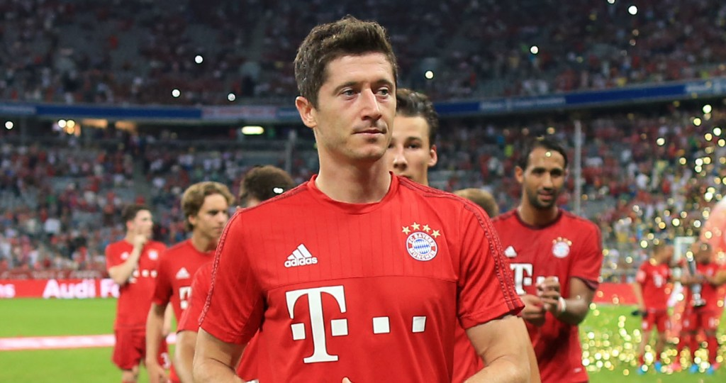 5th August 2015 - Pre-Season Friendly - Audi Cup - Real Madrid v Bayern Munich - Robert Lewandowski of Bayern and his teammates leave the pitch following the presentations - Photo: Simon Stacpoole / Offside.