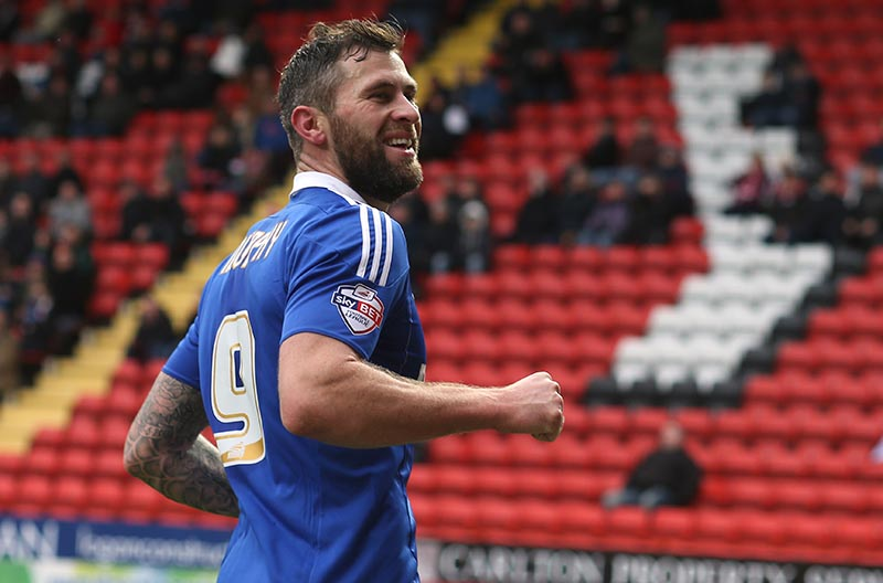 28 November 2015 Football League Championship - Charlton Athletic v Ipswich Town: Daryl Murphy celebrates the third goal for Ipswich. Photo: Mark Leech