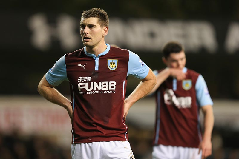 14 January 2015 - The FA Cup 3rd Round (Replay)  - Tottenham Hotspur v Burnley - A dejected Sam Vokes of Burnley - Photo: Marc Atkins / Offside.