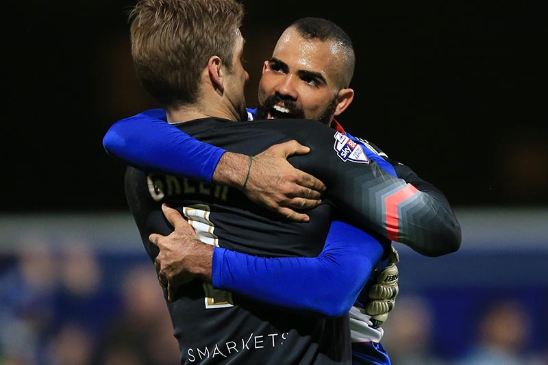 28 November 2015 - Sky Bet Championship - QPR v Leeds United - Queens Park Rangers goalkeeper, Robert Green celebrates with Sandro - Photo: Marc Atkins / Offside.
