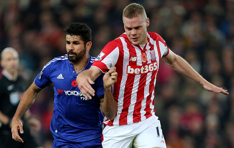 7th November 2015 - Barclays Premier League - Stoke City v Chelsea - Diego Costa of Chelsea battles with Ryan Shawcross of Stoke City - Photo: Paul Roberts / Offside.