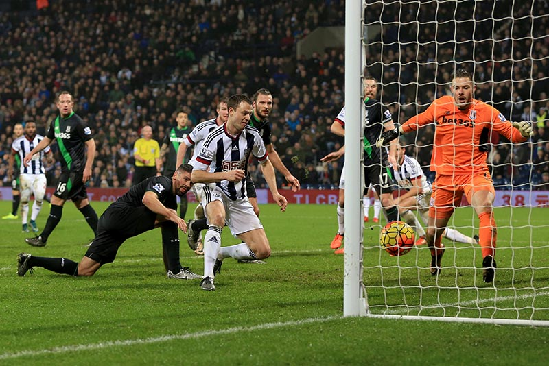 2nd December 2016 - Barclays Premier League - West Bromwich Albion v Stoke City -  Jonny Evans of West Bromwich Albion scores to win the match (2-1) - Photo: Paul Roberts / Offside.